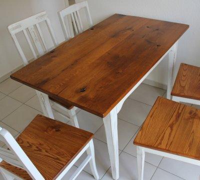 Tisch aus antiker  Eiche